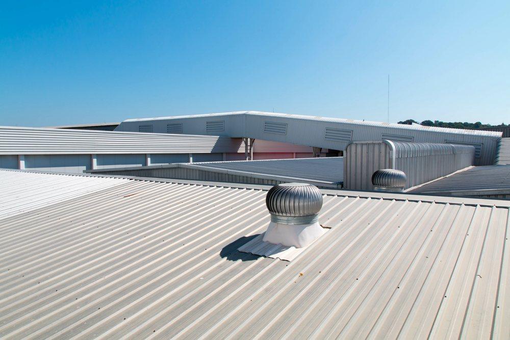 Dachreinigung Industriehalle, Gewerbehalle
